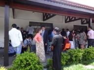 Confraternização após a Missa