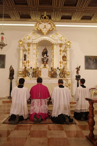 Oração diante do Santíssimo