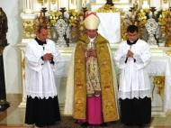 Crisma e Missa Prelatícia05