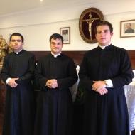 IBP: Pe. Daniel Pinheiro, Diácono Pedro Gubitoso (à dir.) e seminarista Thiago Bonifácio