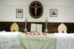 Sacristia preparada para a Missa